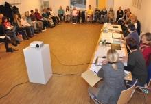 Am Samstag begann die Jahreshauptversammlung in großen Runde.
